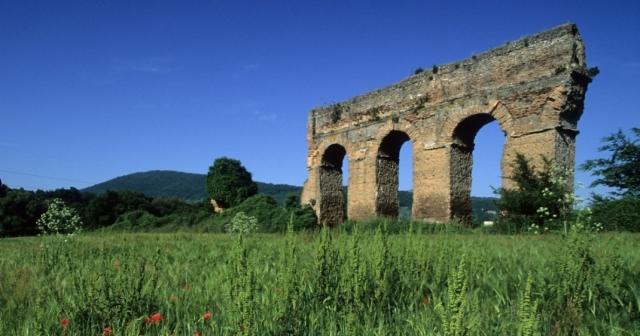 Ruin of the Acqua Vergine aqueduct