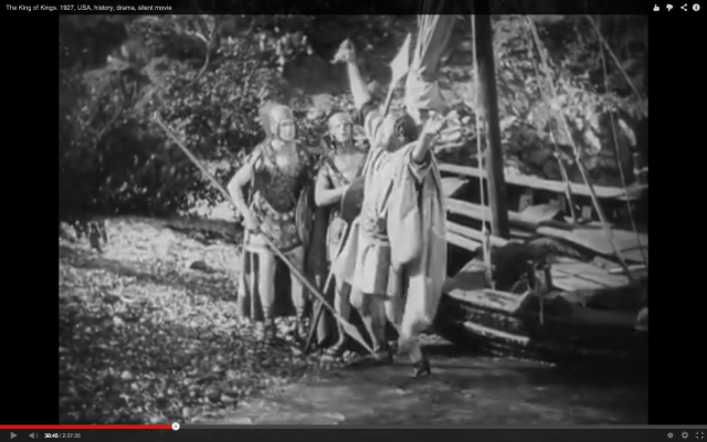 Peter shows the fish to the soldiers in Cecil B. DeMille's King of Kings (1927)